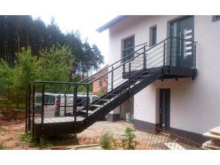 Zakázková výroba zábradlí, schodů a plotů obr.č.: 1 - Samonosné schodiště (Horní Bříza)