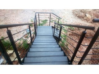 Zakázková výroba zábradlí, schodů a plotů obr.č.: 3 - Samonosné schodiště (Horní Bříza)